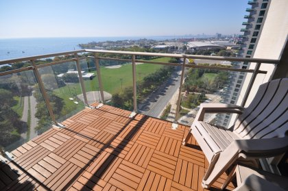 Private Wood Tiled Balcony Facing Spectacular Unobstructed South-West Marina, Park & Lake Views With Gorgeous Sunsets.