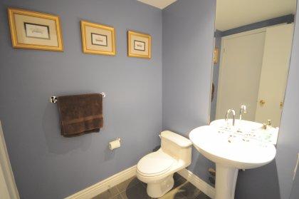 Main Bath In Designer Paint Colour.