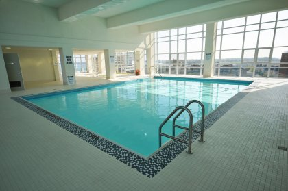 Exclusive Use Of The 11th Floor Roof Top Harbour Club Featuring Fitness/Weight Room, Indoor Pool & Jacuzzi With Outdoor Tanning Deck Onlooking The Lak