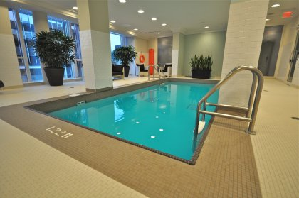 Luxurious Avenue Club Spa With Indoor Rejuvenation Pool & Jacuzzi.