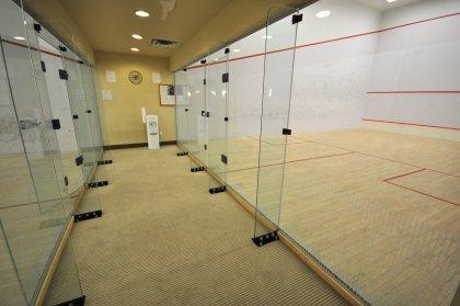 2-Squash Courts.