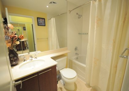 Main Bath With A 4-Piece And Full Sized Length Mirror.