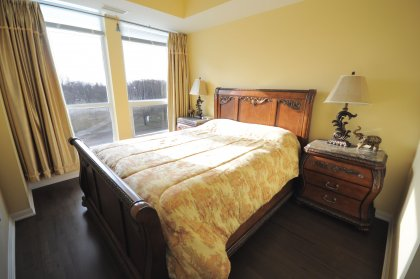 Master Bedroom With A 3-Piece Spa Ensuite, Walk-In Closet And Hardwood Flooring Throughout Facing Bright South Park Views.