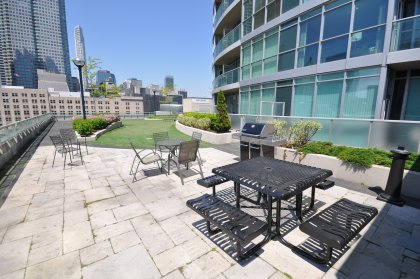 Outdoor Mini Golf, Bbq's & Tanning Deck Facing C.N. Tower.