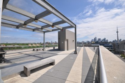 Rooftop Tanning Deck With BBQ Facing Stunning C.N. Tower & Lake Views.