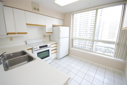Spacious Eat-In Kitchen With Brand New Stove & Dishwasher With A Newer Fridge Facing The Park.