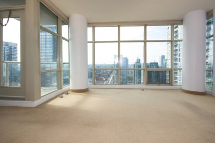 Corner Suite With Bright Floor-To-Ceiling Wrap Around Windows With 733 Sq.Ft. Of Actual Living Space Facing C.N Tower & Lake Views.