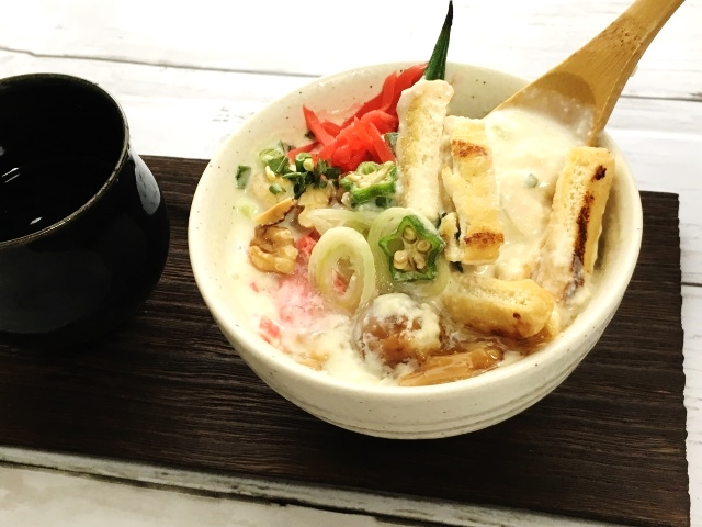 台湾の人気メニュー、豆乳スープ(鹹豆漿)
