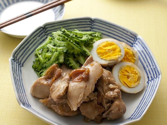 鶏肉とゆで卵の梅煮