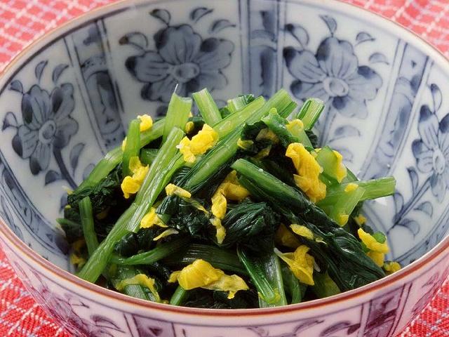 小松菜の菊酢あえ