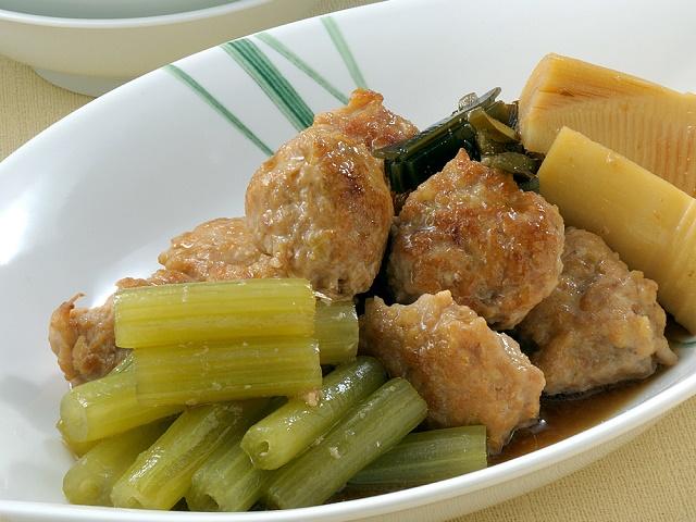 ふきと鶏だんごの含め煮