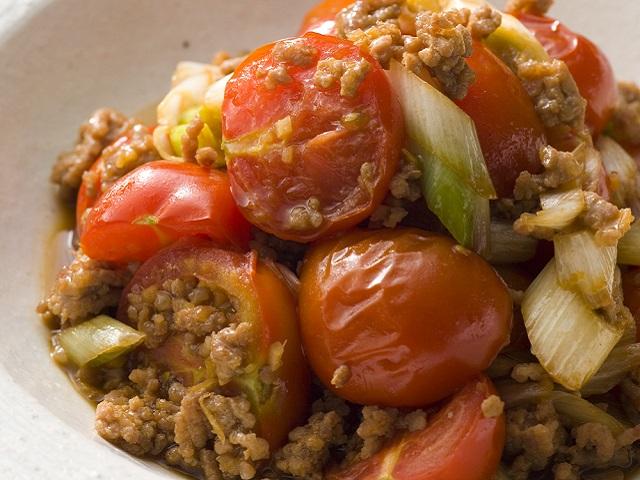 トマトとひき肉の甘辛炒め