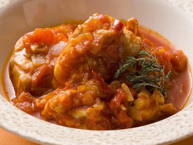鶏肉の辛味トマト煮
