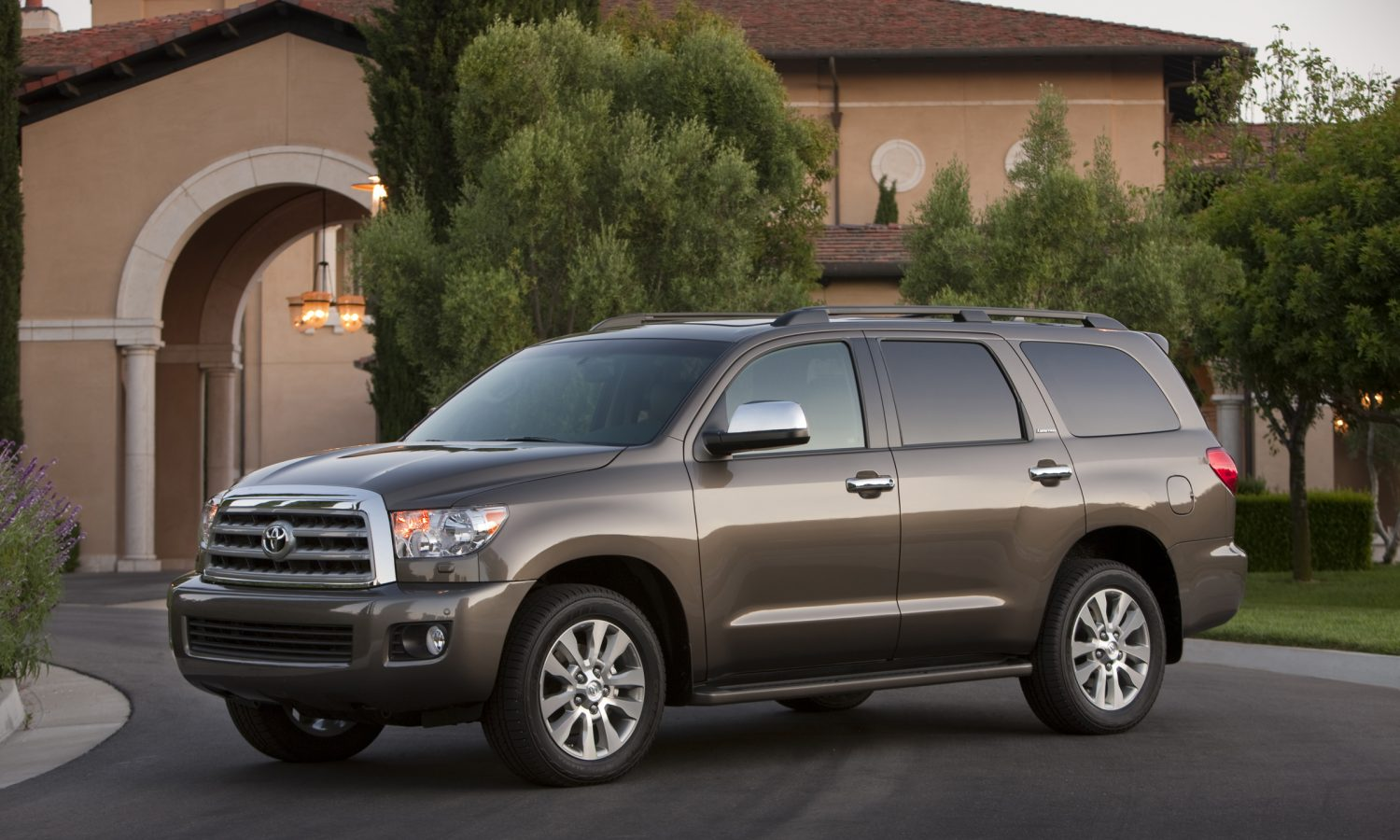 Toyota Tacoma Towing Capacity >> 2017 Toyota Sequoia Lives Up to Its Name with Big Power ...