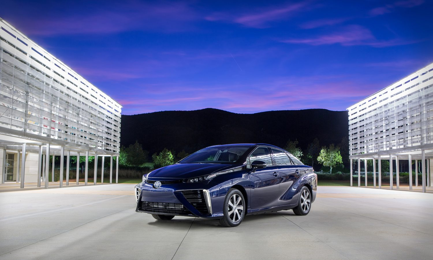2016 Toyota Mirai Fuel Cell Sedan