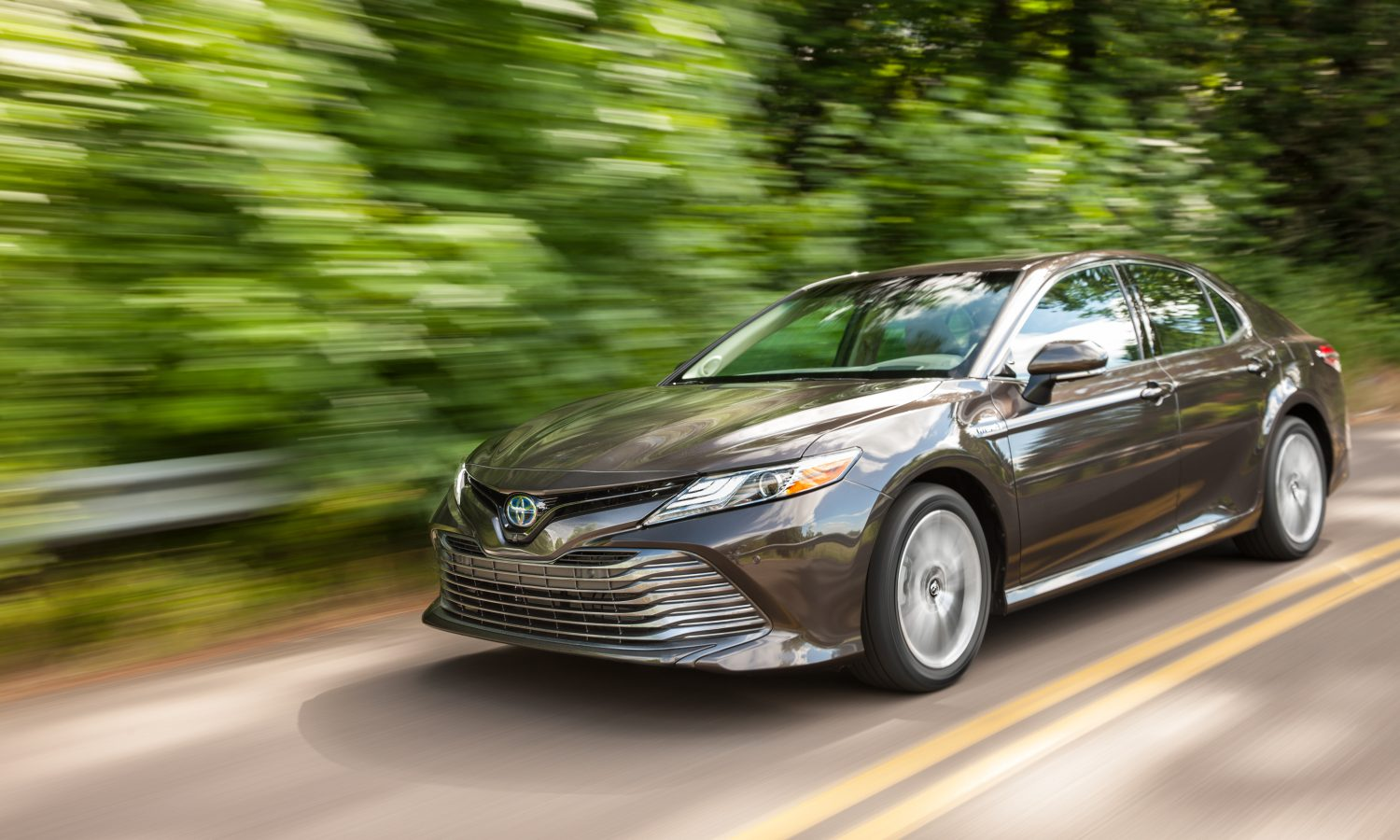 2018 Toyota Camry Hybrid Product Information Sheet