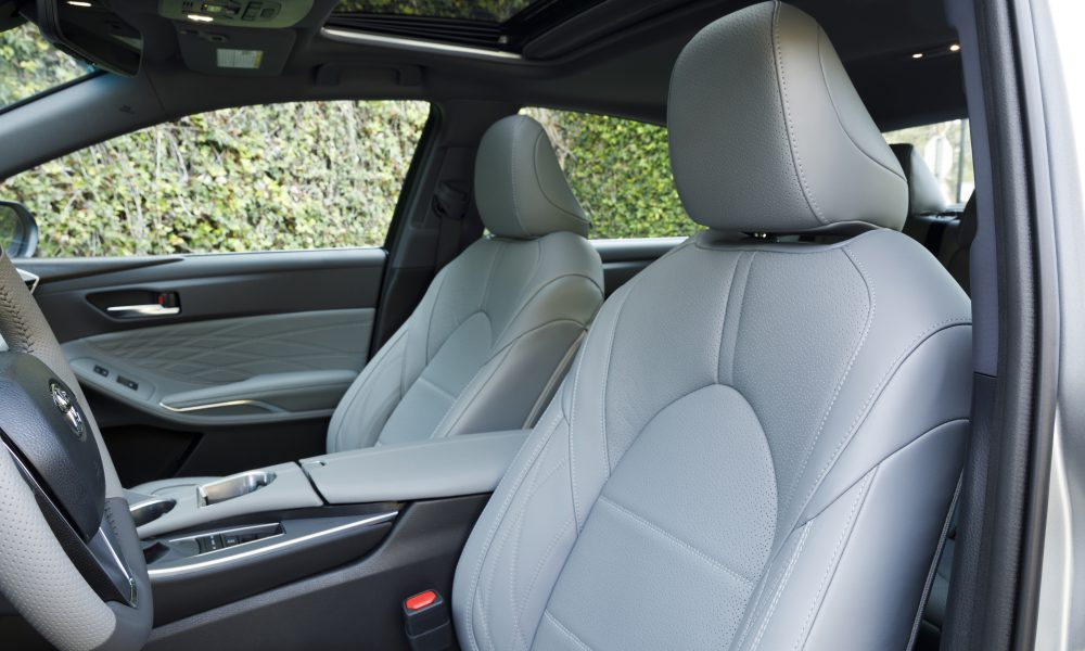 2019 Toyota Avalon All-New Limited 02