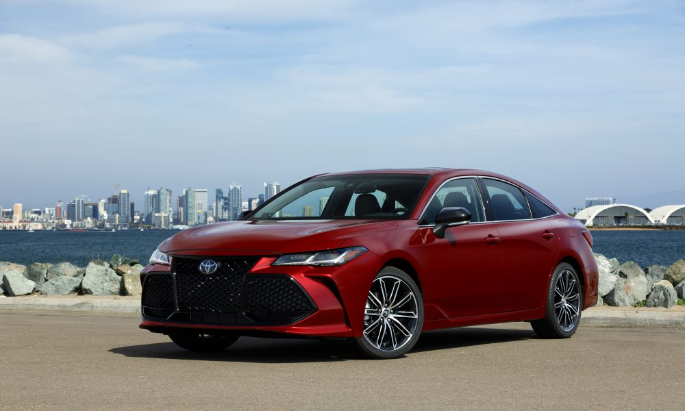 2019 Toyota Avalon All-New Touring 01