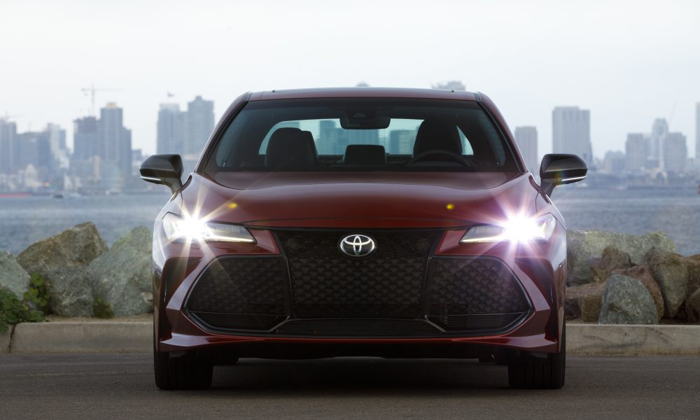 2019 Toyota Avalon All-New Touring 04