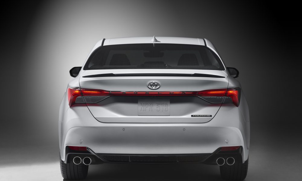 2019 Toyota Avalon Touring 02