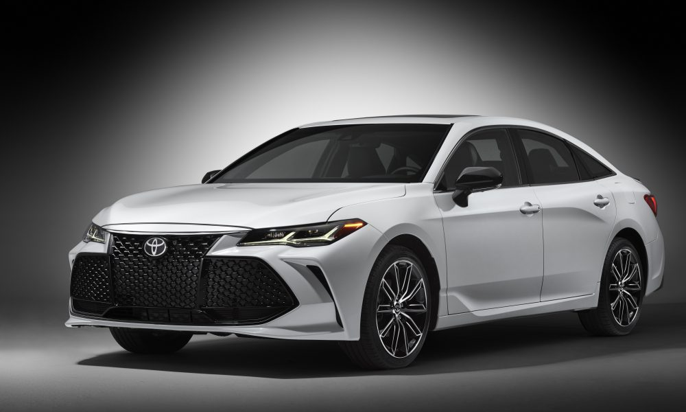 2019 Toyota Avalon Touring 03