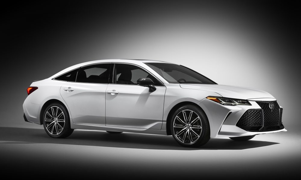 2019 Toyota Avalon Touring 04