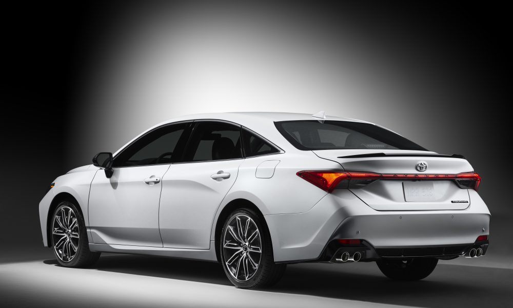 2019 Toyota Avalon Touring 05