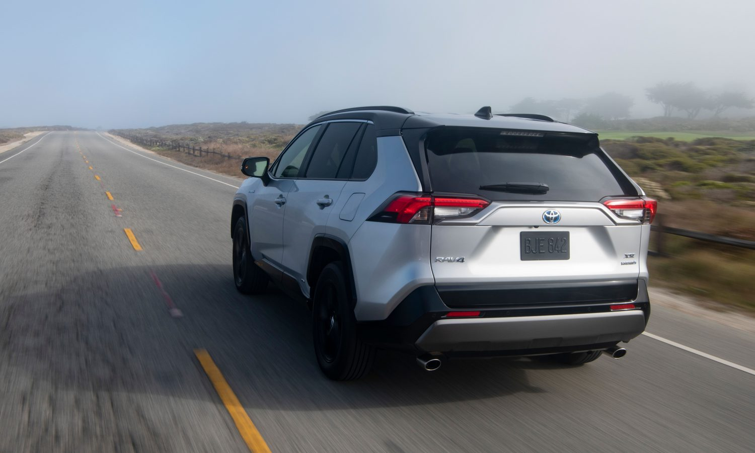 Toyota RAV4 recibe el premio 2020 Hispanic Motor Press Award