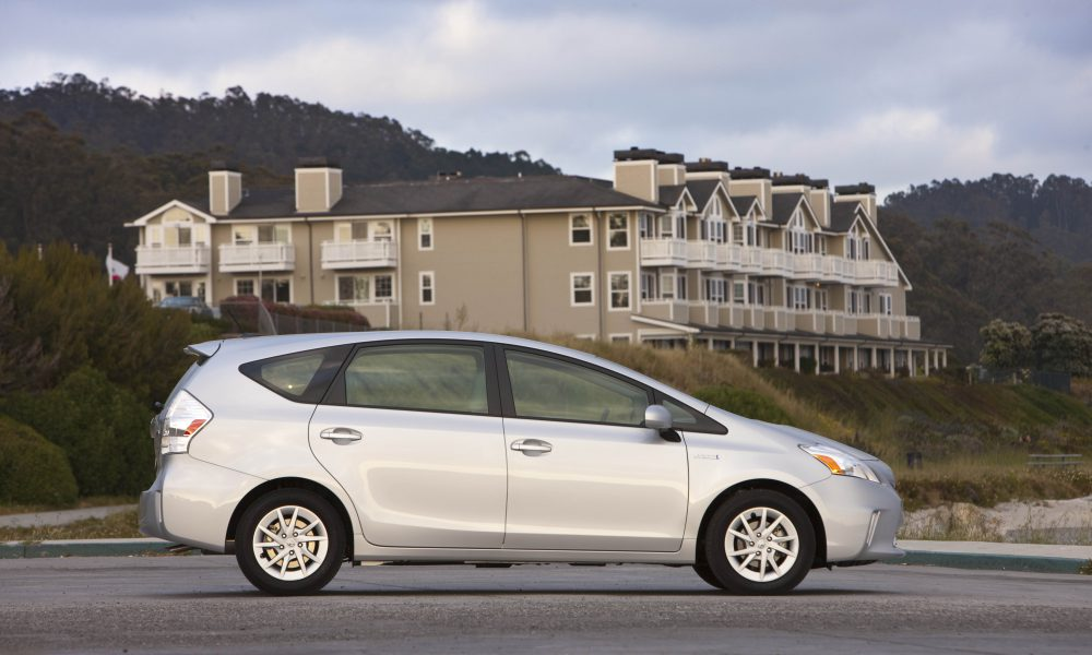 2012 – 2013 Toyota Prius v Two and Three 006