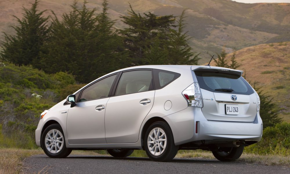 2012 – 2013 Toyota Prius v Two and Three 009