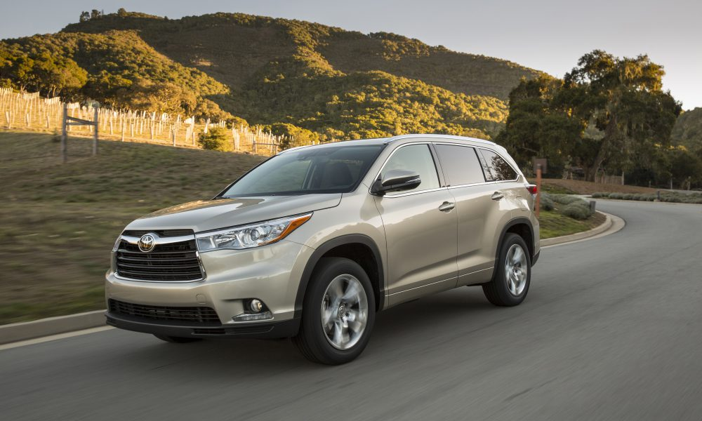 2016 Toyota Highlander: Leader of the Midsize Crossover Pack