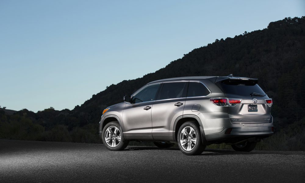 2015 Toyota Highlander: Room for Up to Eight in a Package That's a Perfect Ten