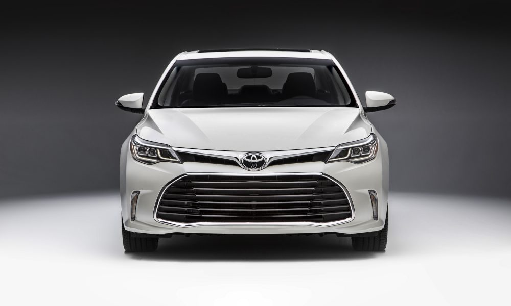 2016 Toyota Avalon Product Information