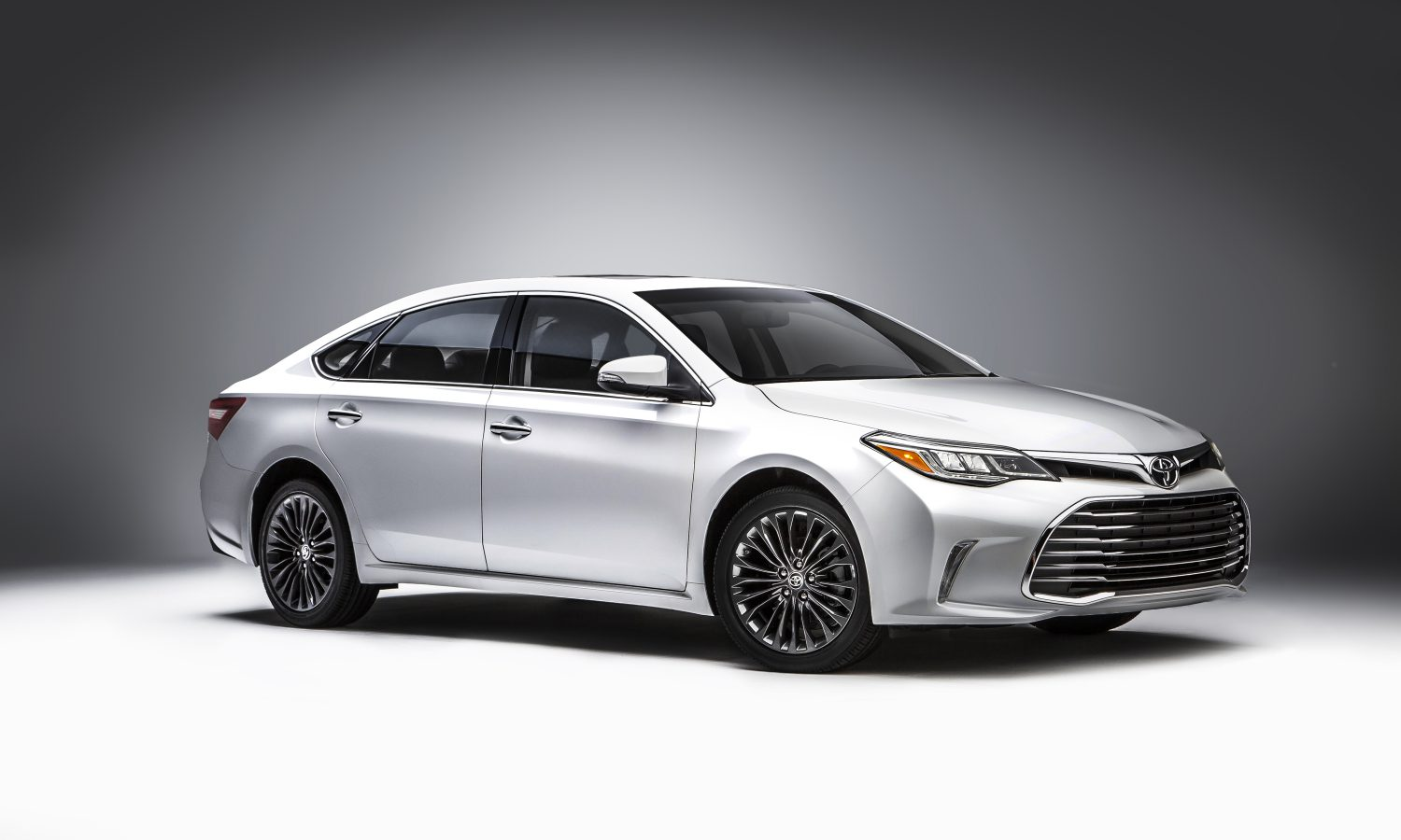 2015 Chicago Auto Show – 2016 Toyota Avalon Reveal