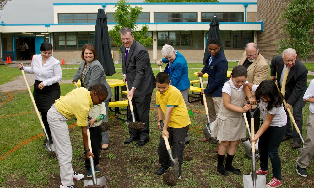 2015 Mayor?s Challenge – Nancy J. Cochran Elementary School Outdoor Classroom and Student Gardens Groundbreaking 002