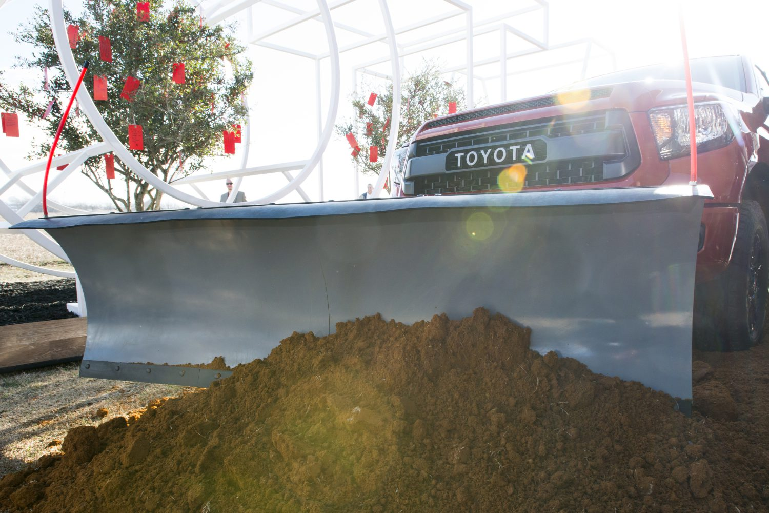 Toyota Of Plano >> Toyota Plows Forward In Plano Breaks Ground On New