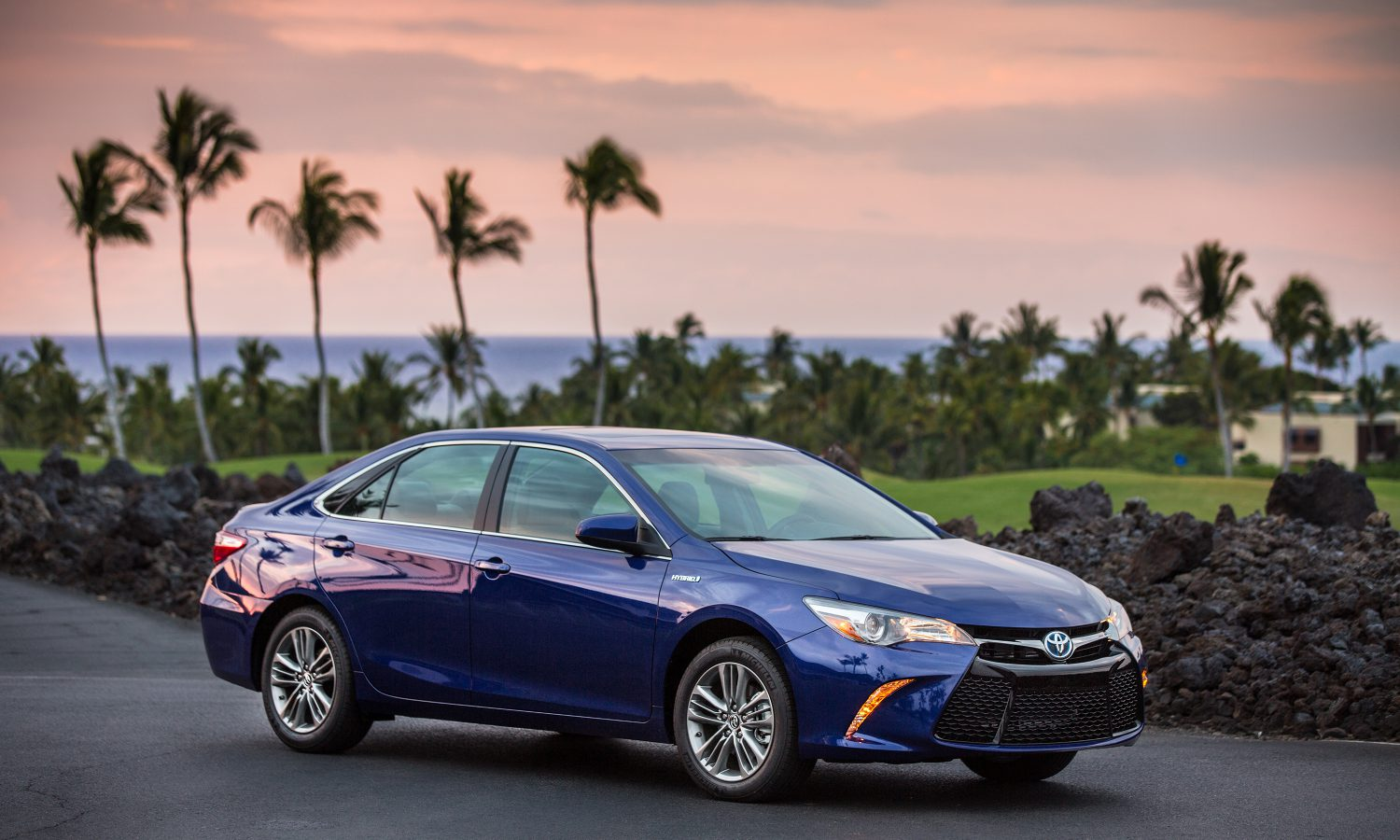 Toyota Announces Pricing For The 2017 Camry Toyota Usa Newsroom