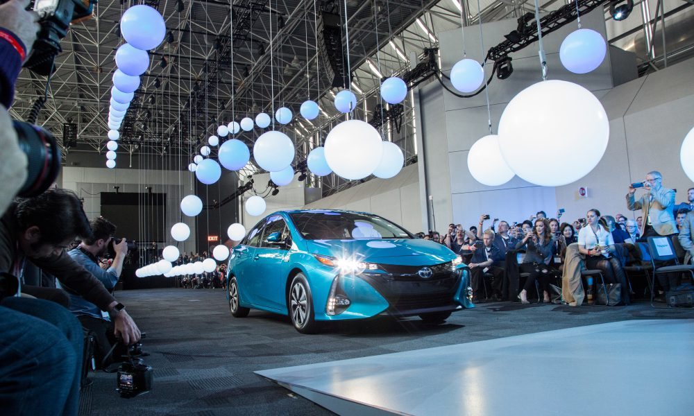 2016 NYIAS – Toyota press conference – 2017 Toyota Prius Prime 002