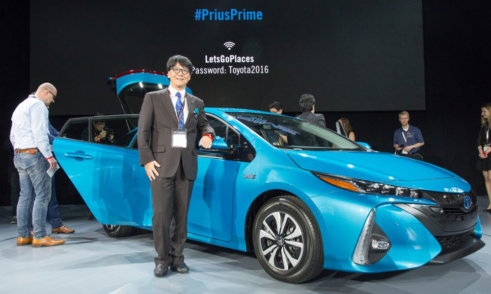 2016 NYIAS – Toyota press conference – 2017 Toyota Prius Prime 003