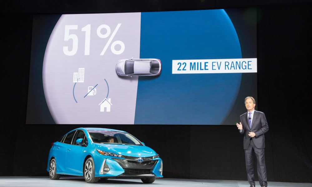 2016 NYIAS – Toyota press conference – 2017 Toyota Prius Prime 004
