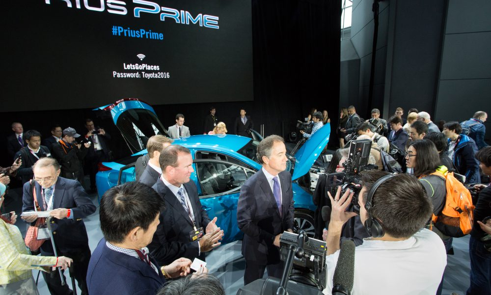 2016 NYIAS – Toyota press conference – 2017 Toyota Prius Prime 005