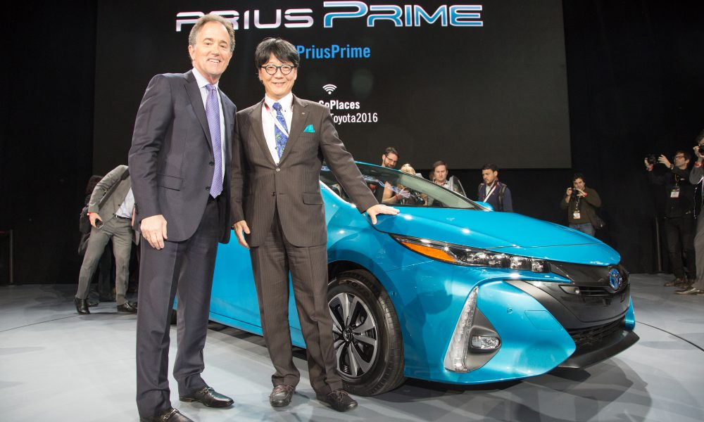 2016 NYIAS – Toyota press conference – 2017 Toyota Prius Prime 006