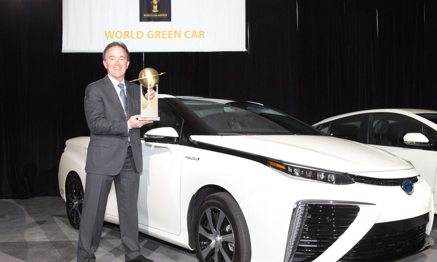 Toyota Mirai Wins 2016 World Green Car