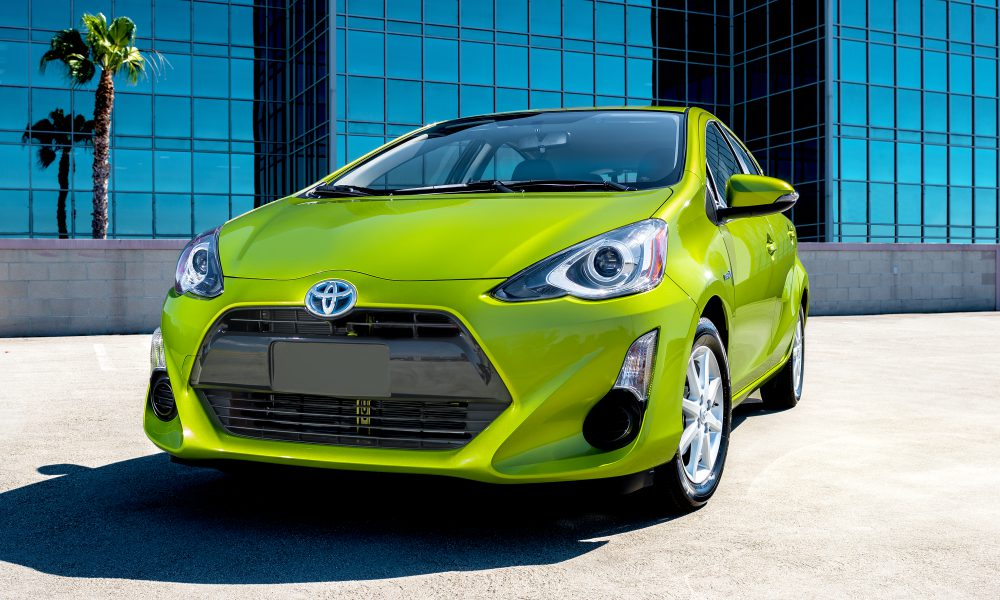 2016 Toyota Prius c Product Information