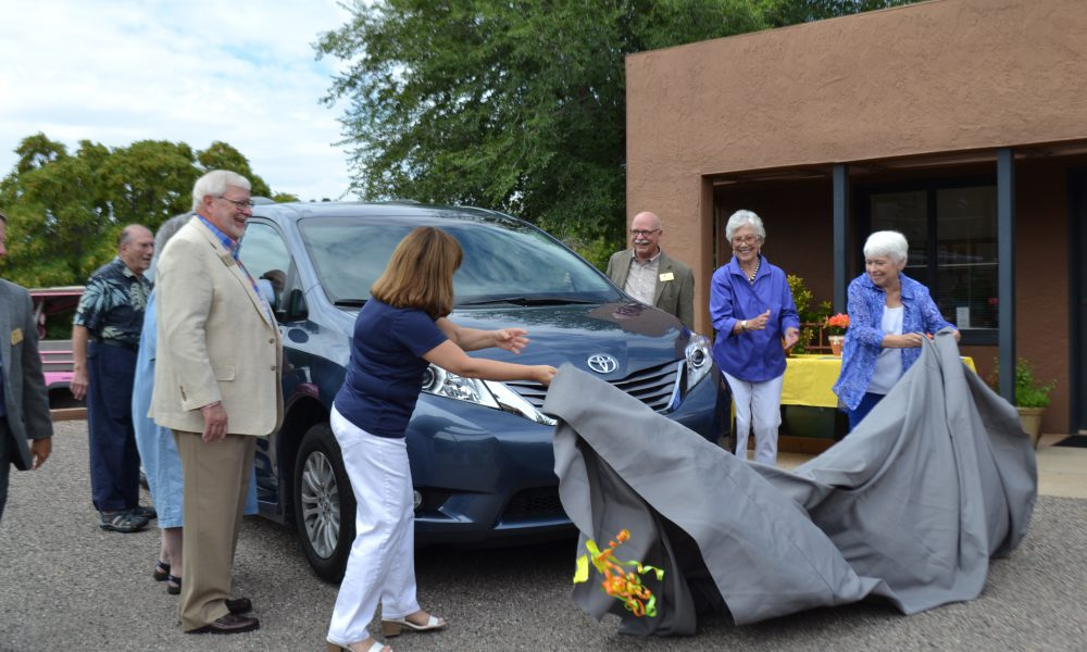 Toyota Presents Sienna Mobility Vehicle to Verde Valley Caregivers Coalition Alongside National Volunteer Transportation Center