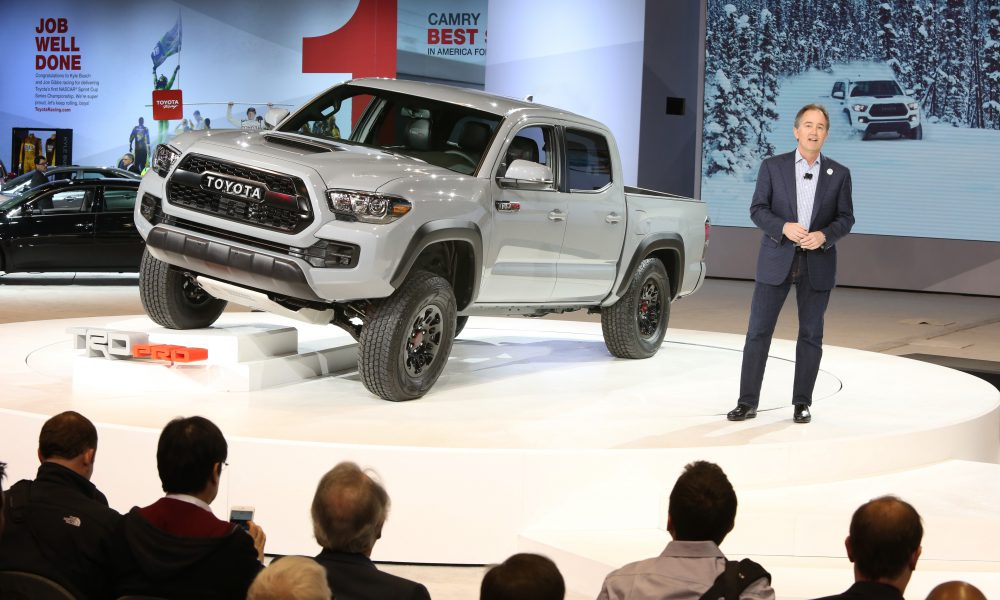 2016 Chicago Auto Show – 2017 Toyota Tacoma TRD Pro Debut