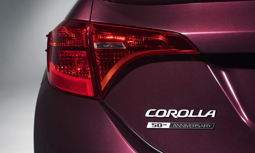 2016 NYIAS – 2017 Toyota Corolla 50th Anniversary Special Edition 010