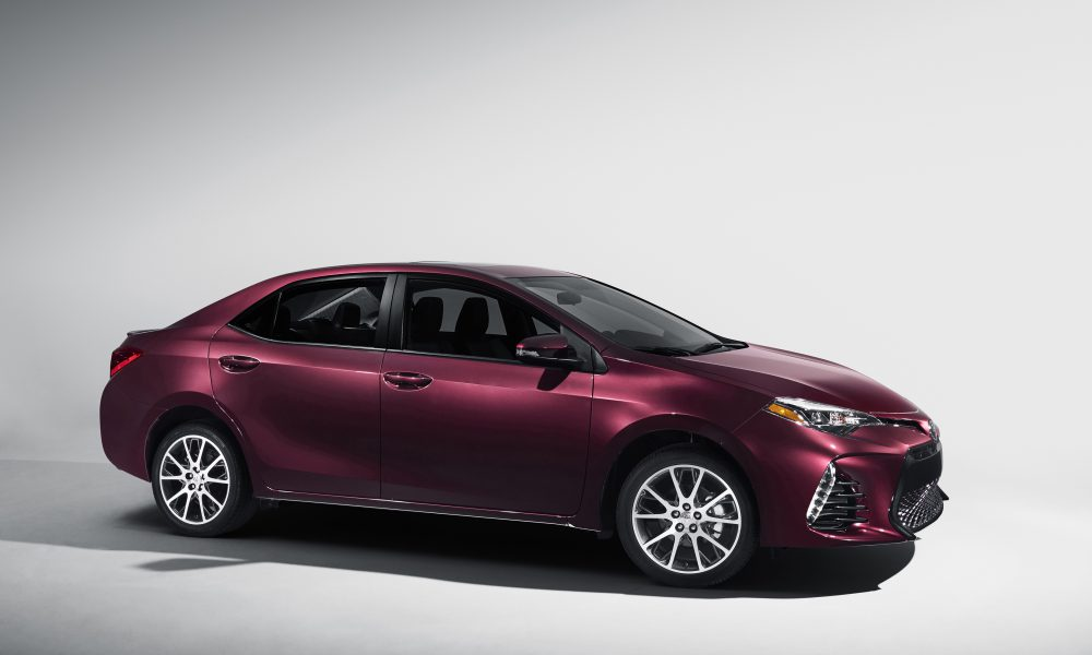 2016 NYIAS – 2017 Toyota Corolla 50th Anniversary Special Edition 003