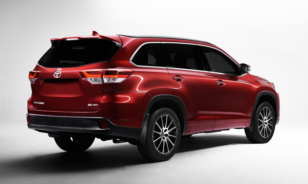 2016 New York International Auto Show (NYIAS) – 2017 Toyota Highlander 002