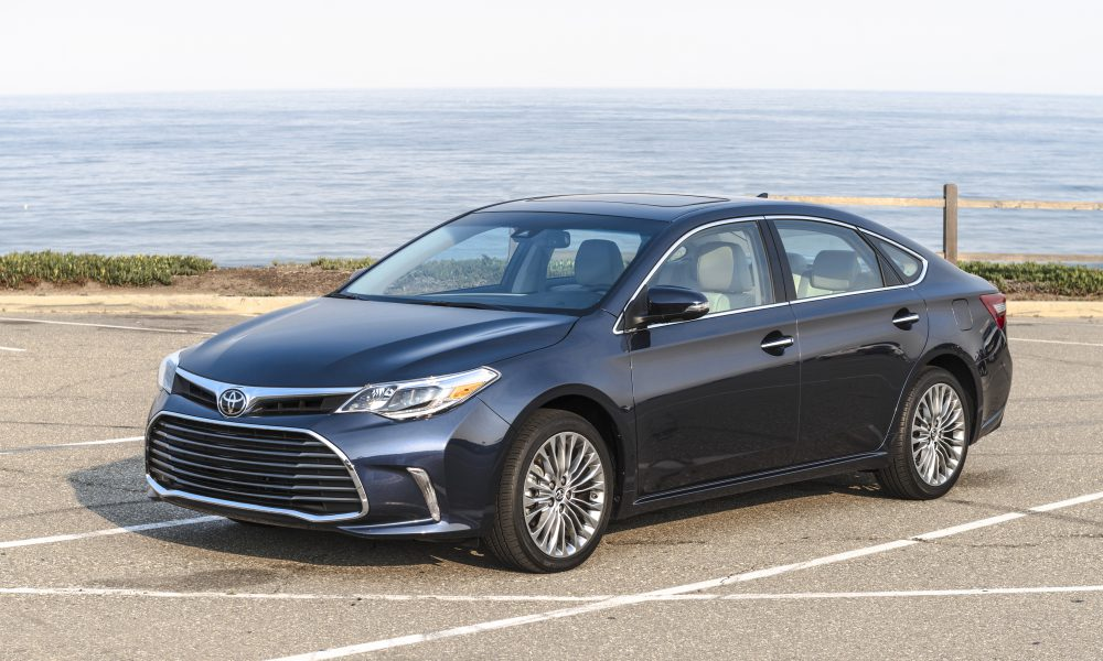 2017-2018 Toyota Avalon Limited 04